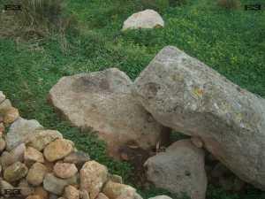 plinth base platform stone for standing menhir hagar qim complex malta maltese templebuilders megaliths photographs photos qrendi images