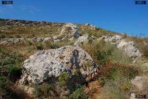 menhirs Maltas tempelbouwers locaties hunebed Gnejna Bay beach Malta